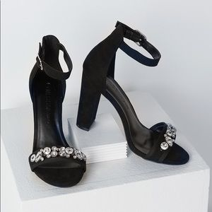 💥NWOB💥 WILD DIVA Embellished Heels